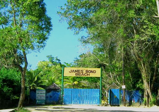 Entrance to James Bond beach