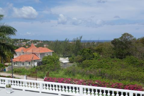 Seaview Chateau, Ironshore Montego Bay