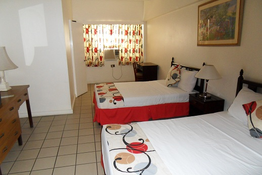 Double room at Pineapple Court hotel