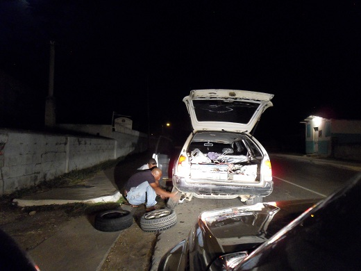 Jamaican Police Make Great Roadside Assistance